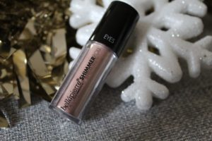 December 18 Glossybox Review - Shimmer roll