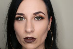 10 Things I've learnt in my early 30's - a selfie of carly with a full face of makeup